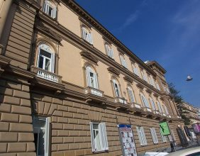 Palazzo Caravita di Sirignano